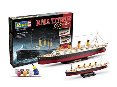 Slepovací model Revell 1:700 a 1:1200 Set Titanic - dvě lodě včetně doplňků *
